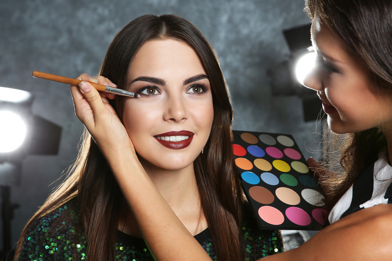 """Resultado de imagen para Curso de Maquillaje Social En El Sena"""""""